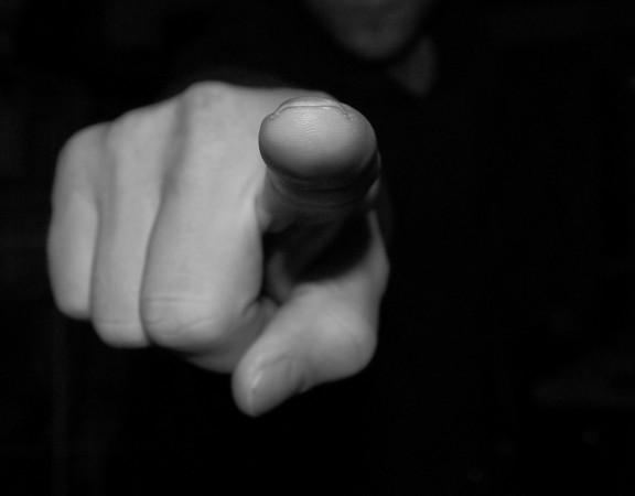 Dedo apontou